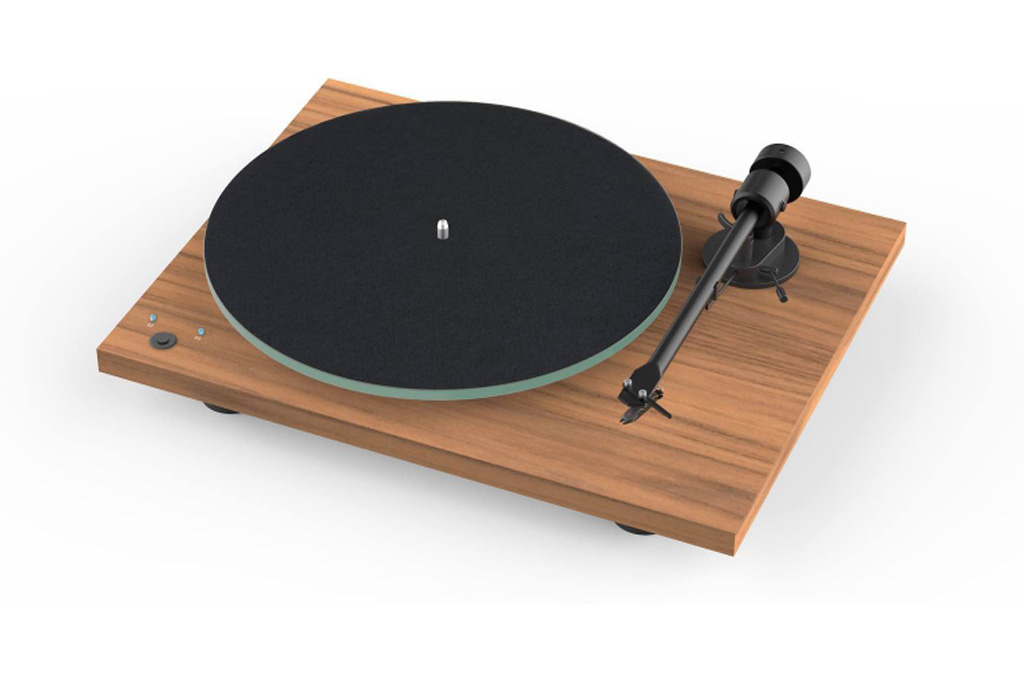 Pro-Ject Reviews_0003_Layer 3